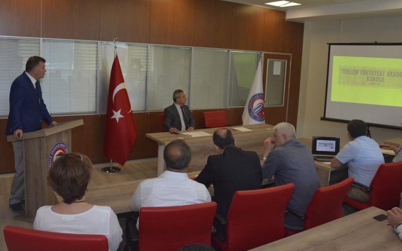 Turizm Fakültesi Akademik Kurul Toplantısı Gerçekleştirildi