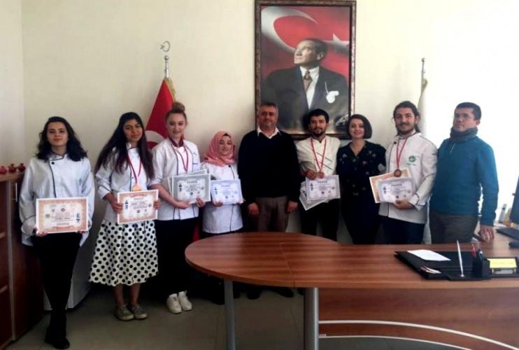 Ulusal Aşçılar ve Pastacılar Şampiyonası'nda Öğrencilerimizin Büyük Başarısı