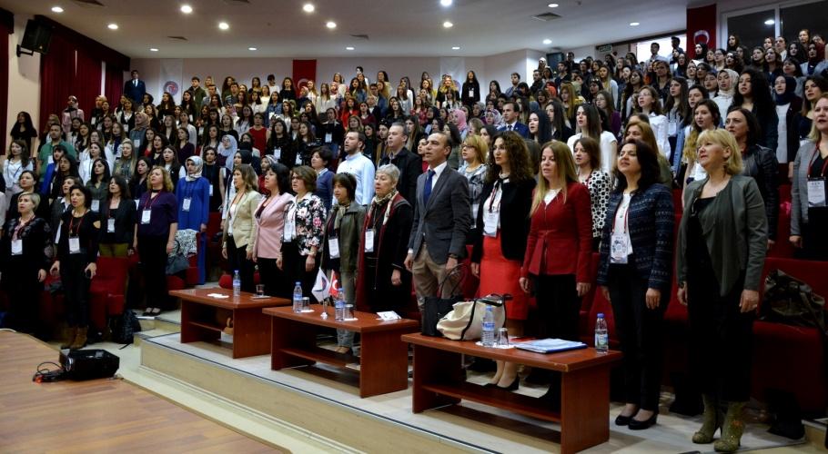 17. Ulusal Hemşirelik Öğrencileri Kongresi Başladı