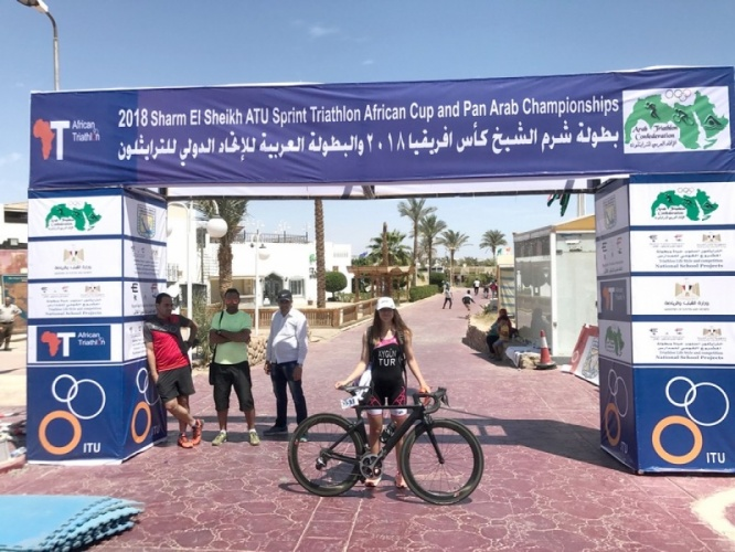 ÇOMÜ Öğrencisi Buse Aygün Triatlon Afrika Şampiyonasında Bronz Madalya Kazandı