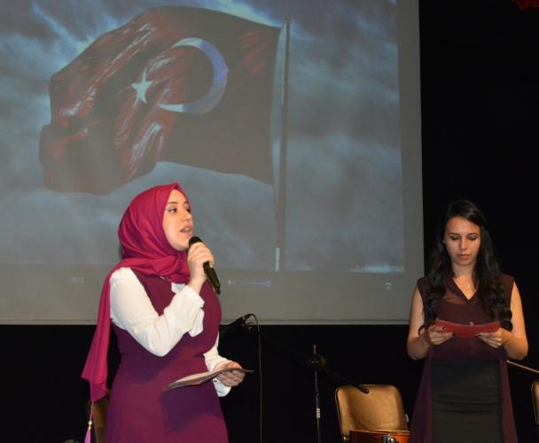 Gül Seli Şiir Dinletisi, NFK Tiyatro Salonu'nda Gerçekleştirildi