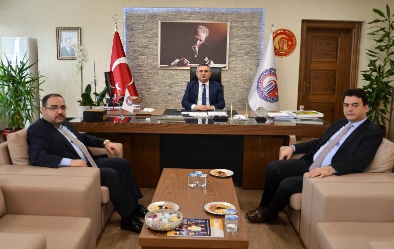 Özel İdare Genel Sekreteri Abdullah Köklü, Rektör Acer'i Ziyaret Etti