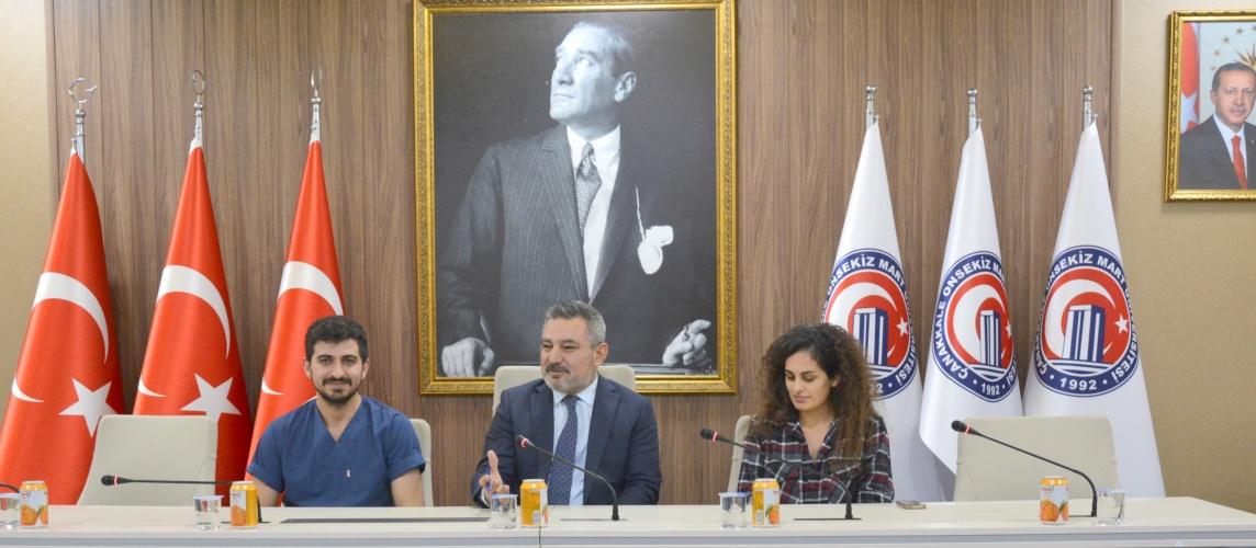 Rektör Prof. Dr. Yücel Acer, Diş Hekimliği Fakültesi Öğrencileriyle Bir Araya Geldi
