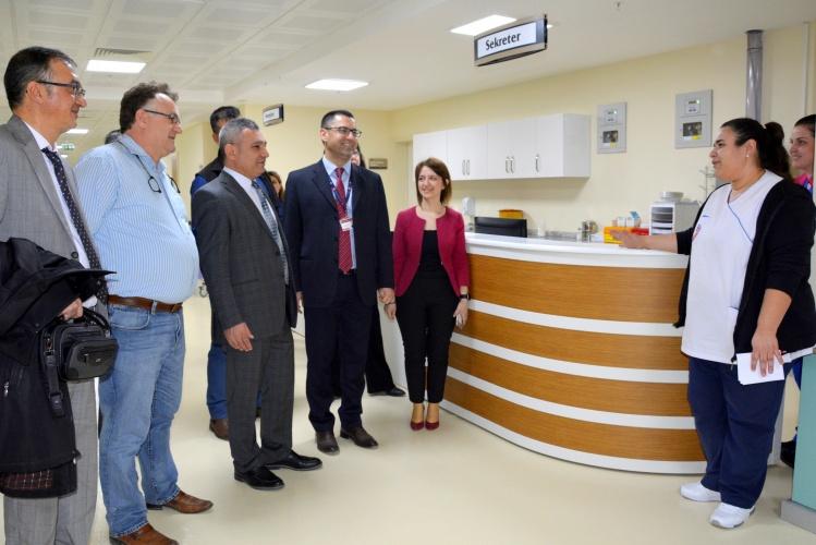 Rektör Prof. Dr. Yücel Acer, Sağlık Uygulama ve Araştırma Hastanesinin Yeni Binasını Ziyaret Etti