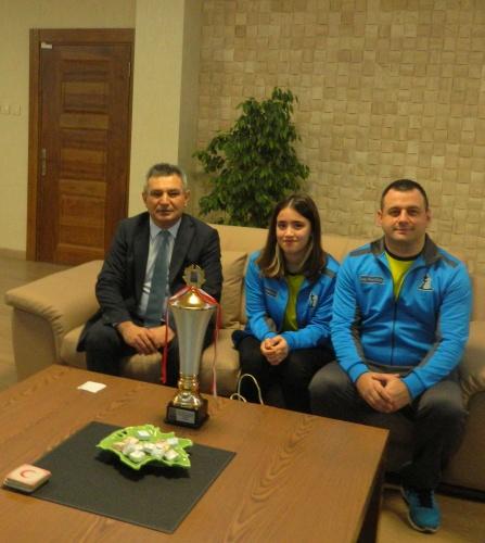 Satranç Şampiyonu Didem Nuray Yurdakul'dan Rektör Prof. Dr. Yücel Acer'e Ziyaret
