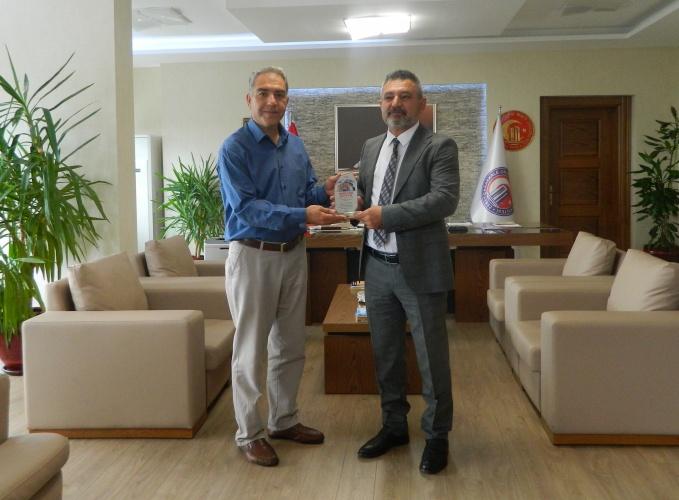 Uluslararası Öğrenci Derneği'nden Rektör Prof. Dr. Yücel Acer'e Ziyaret