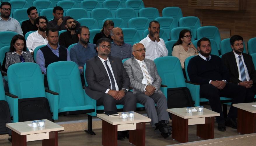 Ayvacık MYO Akademik Kurul Toplantısı Rektör Prof. Dr. Sedat Murat'ın Katılımıyla Gerçekleştirildi