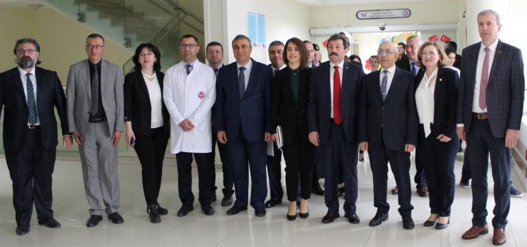 Çanakkale Protokolünden ÇOMÜ Hastanesindeki Çocuklara 23 Nisan Ziyareti