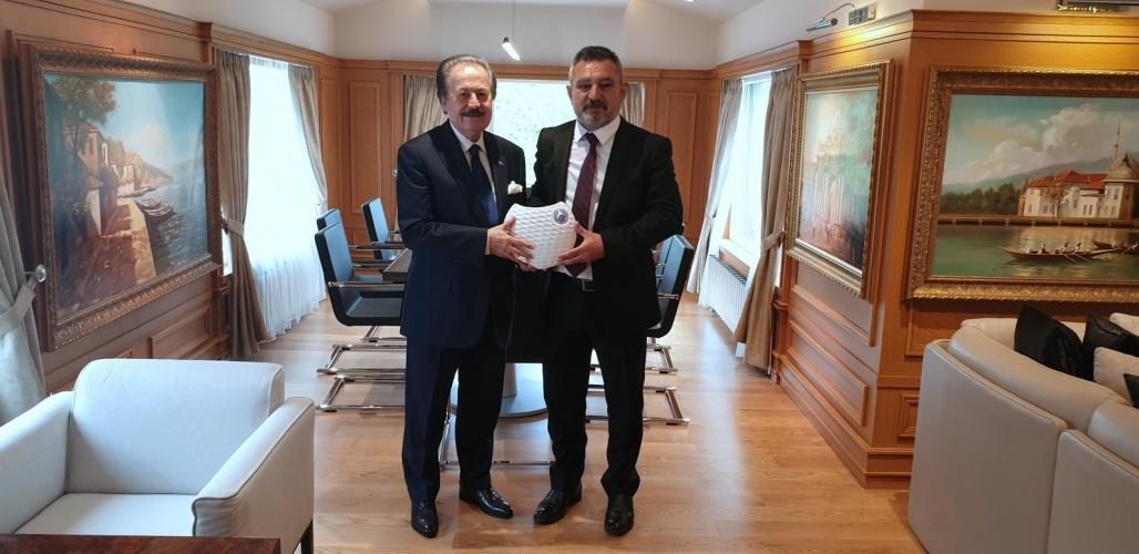 ÇOMÜ'den Devlet Eski Bakanı Cavit Çağlar'a Ziyaret