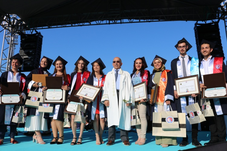 Çanakkale Onsekiz Mart University (ÇOMÜ) 2018-2019 Academic Year Graduation Ceremony was held