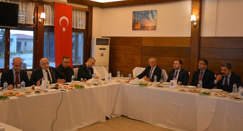 ÇOMÜ Rektörü Prof. Dr. Sedat Murat, Belediye Başkanlarıyla Bir Araya Geldi