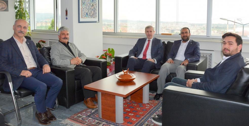 Eğitim Bir-Sen Yönetiminde Rektör Yardımcısı Prof. Dr. Bünyamin Bacak'a Ziyaret