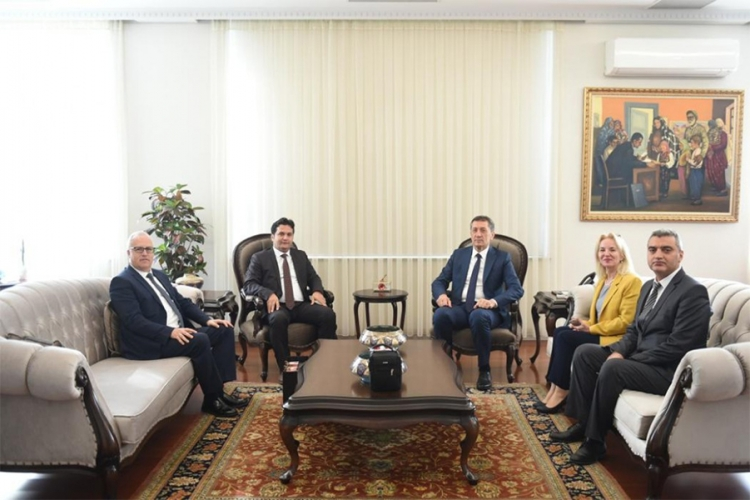 Eğitim Fakültesi Dekanlar Konseyi, Milli Eğitim Bakanı Ziya Selçuk'u Ziyaret Etti