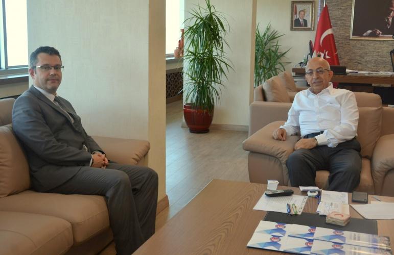 Kültür Varlıklarını Koruma Bölge Kurulu Müdürü Çağman Esirgemez'den Rektör Murat'a Ziyaret