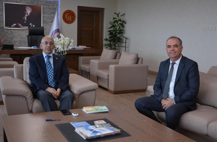 Liman Başkanı İsmail Gümüş'ten Rektör Prof. Dr. Sedat Murat'a Ziyaret