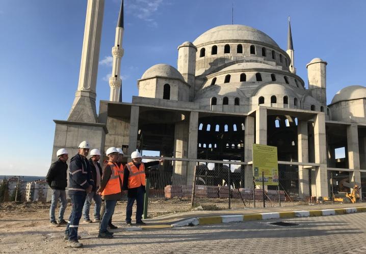 Rektör Prof. Dr. Acer, 18 Mart İÇDAŞ Ulu Camii İnşaatında İncelemelerde Bulundu