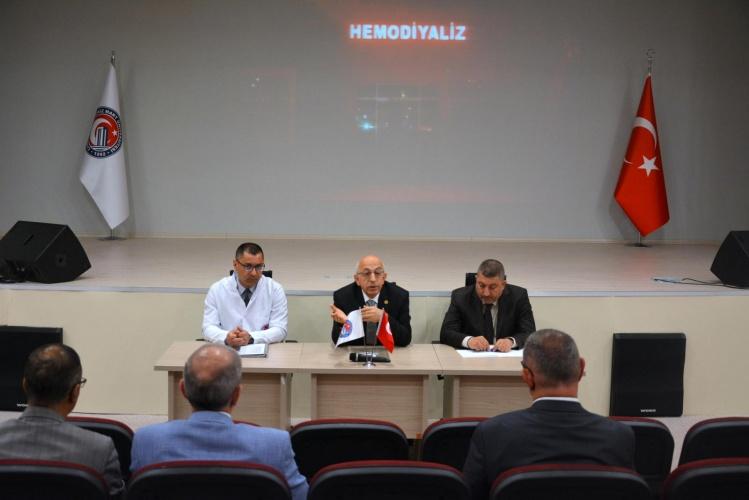 Rektör Murat ÇOMÜ Hastanesinde Bölüm Başkanlarıyla Bir Araya Geldi
