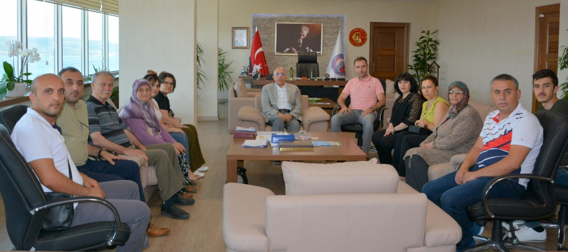 Şehit Yakınlarından Rektör Prof. Dr. Sedat Murat'a Ziyaret