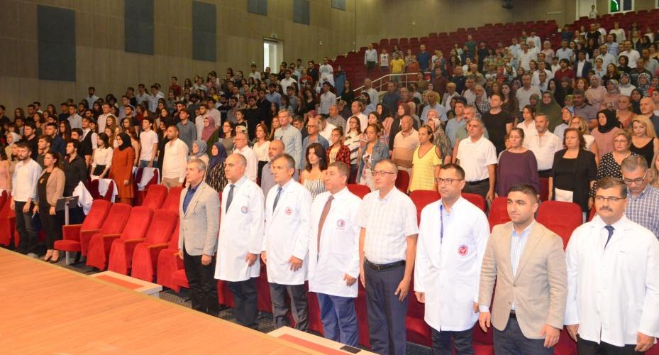 Tıp Fakültesi Önlük Giyme Töreni Gerçekleştirildi