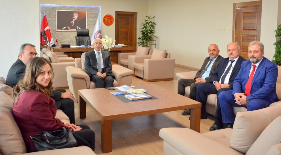 Türkiye Kamu Çalışanları ve Dayanışma Vakfından Rektör Prof. Dr. Sedat Murat'a Ziyaret