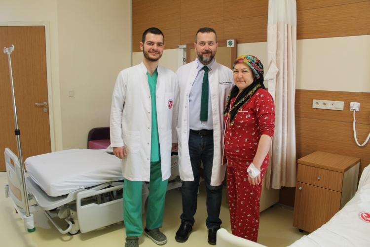 ÇOMÜ'de İlk Kez Yapılan Ameliyatla Hasta, Omurga Sağlığına Tekrar Kavuştu