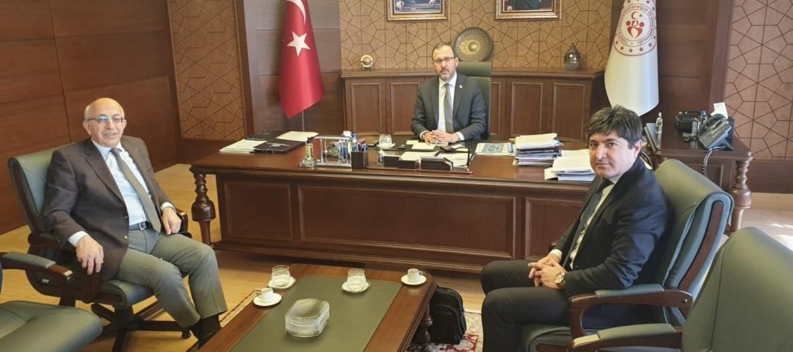 ÇOMÜ Rektörü Prof. Dr. Sedat Murat, Bakan Dr. Mehmet Kasapoğlu'nu Ziyaret Etti