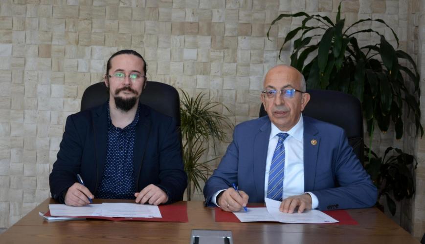 ÇOMÜ ve YAŞIK Makina Arasında Üniversite-Sanayi İşbirliği Çerçeve Protokolü İmzalandı