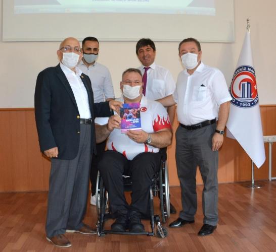 Engelliler ve Spor Kitabı, Dünya ve Avrupa Bilek Şampiyonu Ümit Burunlular'a Takdim Edildi