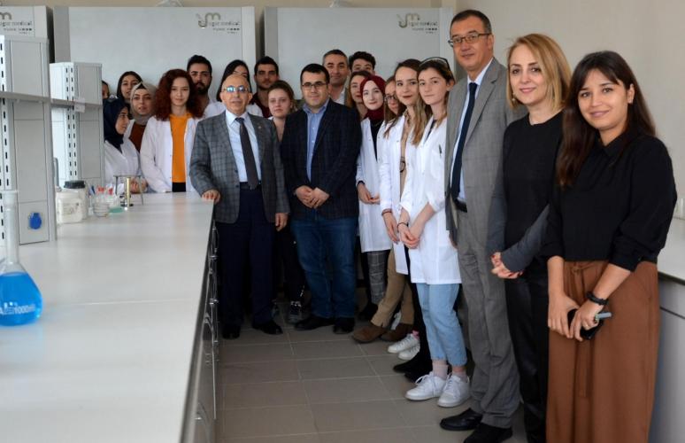 Mühendislik Fakültesi Genel Kimya Laboratuvarı Açıldı